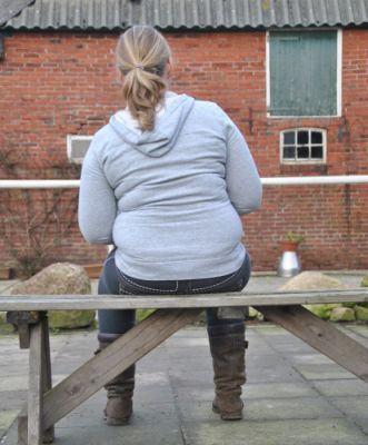 Oefenen op een bankje: inknikken naar links